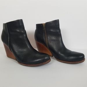 Kork Ease Black Leather Wedge Boots Booties 9.5